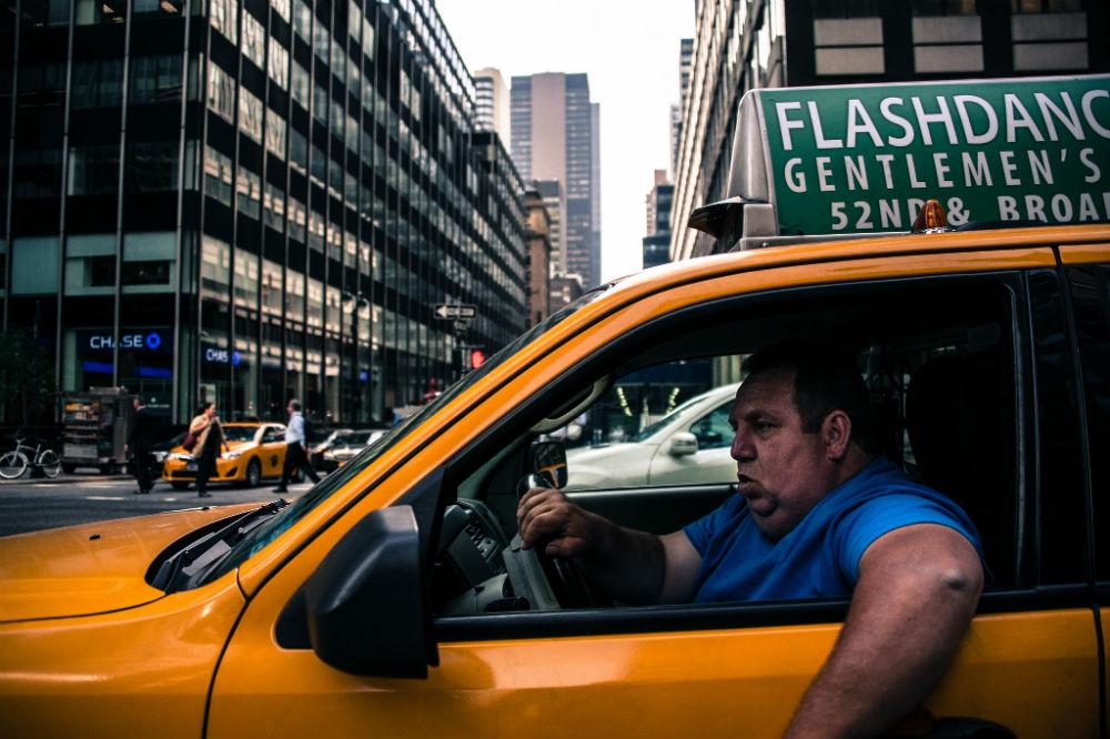 Taxi vs Uber: GPS choosing its side